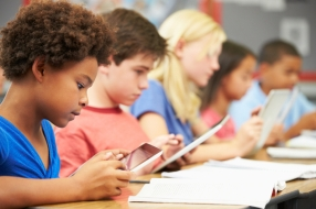 Students-Tech-in-Classrooms
